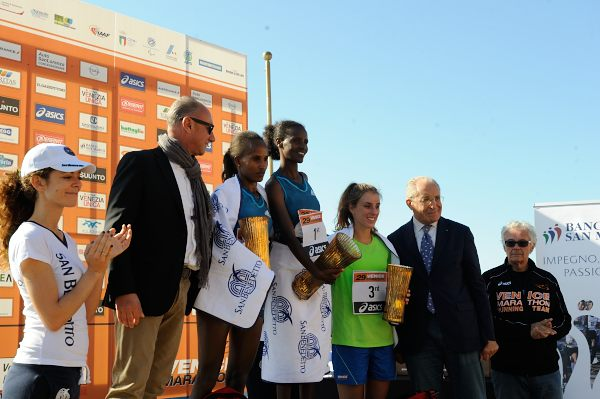 Premiazione podio femminile